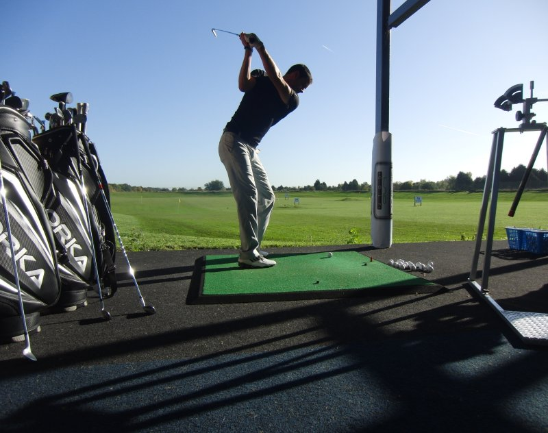 Our Fitting Bay is located in the end bay in the Driving Range we are able to benefit from a peaceful and relaxed environment to carry out your Clubfitting.